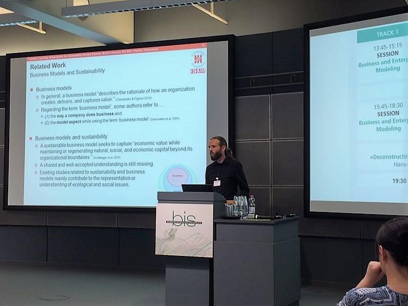 SmartHybrid-BIS-Conference-2018-Thorsten-Schoormann
